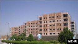 مسکن مهر یکی از طرحهای دولت محمود احمدینژاد بود که اجرایی شد و قرار بود مشکل مسکن در ایران را «ریشهکن» کند