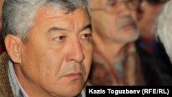 Жаңаөзен оқиғасында жараланған Нұрлыбек Нұрғалиев жиында отыр. Алматы, 17 желтоқсан 2012 жыл.