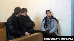 Сьведкі: Аляксей Марозік (справа), Арцём Шакуля і Ўладзіслаў Мулярчык