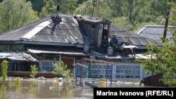 Жители Алтая ждут спада воды