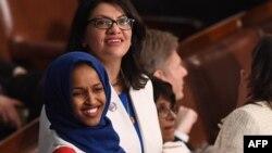 Ільхан Омар (зліва) і Рашида Тлаіб відомі критикою президента Дональда Трампа і політики Ізраїлю щодо палестинців