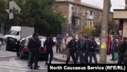Фрагмент видео задержания, показанного в эфире канала РЕН