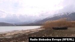 Планината Галичица од страната на Преспанското Езеро.