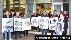 Karikature Predraga Koraksića Coraxa i Dušana Petričića objavljene u Danasu, Beograd