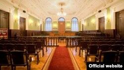 В парламенте предрекают, что прямые трансляции из зала суда обгонят по рейтингам латиноамериканские сериалы
