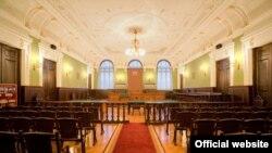Cуд присяжных, по мнению прокуратуры, поможет избежать вынесения несправедливых вердиктов судьями, назначенными при прежней власти
