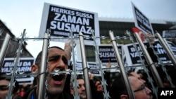 Pamje nga një demonstratë e mëparshme e mbështetësve të gazetës Zeman në Stamboll