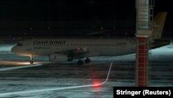 Самолет Cham Wings Airlines A320 YK-BAE в российском Ростове-на-Дону. Январь 2018 года