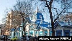 Здание «Кызыл-Тан», которое, по мнению некоторых краеведов, спроектировал архитектор Поль Гурдэ.