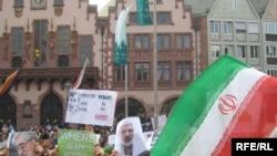 راهپیمایی ایرانیان مقیم فرانکفورت آلمان در اعتراض به نتیجه انتخابات و حمایت از جنبش سبز