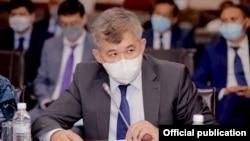 Елжан Біртановтың Қазақстанның денсаулық сақтау министрі болған кездегі суреті.