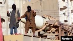شبه نظامیان خلافت اسلامی یا داعش در رقه