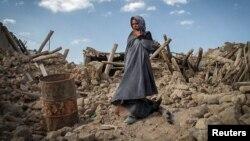 Пашкоджаныя землятрусам дамы ва Ўсходнім Азэрбайджане, правінцыі Ірану