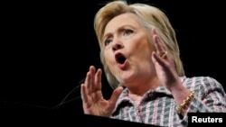 Хиллари Клинтон сайлаушылар алдында сөйлеп тұр. АҚШ, 25 шілде 2016 жыл. (Көрнекі сурет)