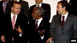 اردوغان(چپ) و زاپاترو(راست) ریاست طرح دوستی تمدنها را دارند که از سوی سازمان ملل حمایت می شود.