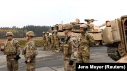 سربازان امریکایی در یک پایگاه نظامی در جرمنی
