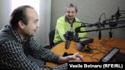 Cornel Ciurea și Doru Petruți,în studioul Europei Libere la Chișinău