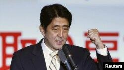 Новый премьер-министр Японии Шинзо Абе.
