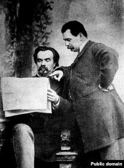 Михайло Старицький (ліворуч) і Марко Кропивницький (праворуч)