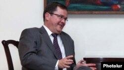 Armenia - U.S. Deputy Assistant Secretary of State Thomas Melia meets with Foreign Minister Edward Nalbandian, 13Jun2011.