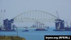 Установка автодорожной арки на Керченском мосту, 11 октября 2017 год