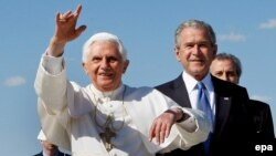Американские католики надеются, что папа сможет вернуть их церкви былое доверие и уважение