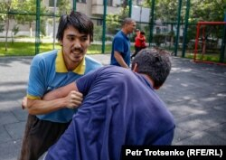 Арман Абдуллахановтың үлкен ұлы Ақназар жаттығу кезінде. Алматы, 11 маусым 2019 жыл.