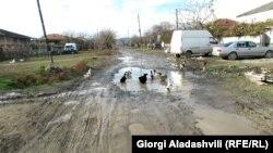 სოფელი განათლება ლაგოდეხის რაიონში, სადაც გზა საბჭოთა კავშირის დაშლის შემდეგ გზა აღარ დაუგიათ