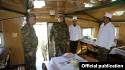 Ադրբեջանի պաշտպանության նախարարության հրապարակած լուսանկարը զորավարժությունների վայրից, 2-ը փետրվարի, 2015թ.