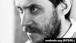 Славамір Адамовіч па выхадзе з турмы. 1997 год