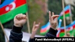 Ötən il Dövlət Bayrağı günündə Bakıda müxalif qüvvələr etiraz aksiyası keçirib