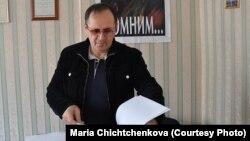 Oyub Titiyev in his Memorial office