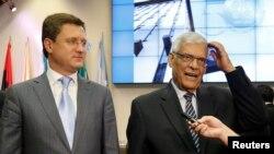 Генеральный секретарь ОПЕК Абдалла аль-Бадри и министр энергетики России Александр Новак после встречи в Вене, 16 сентября 2014