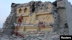 Белуджистан провинциясында жер сілкінісінен қираған үй. Пәкістан, 25 қыркүйек 2013 жыл.