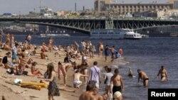 Plaža u St. Petersburgu, Rusija, juli 2011
