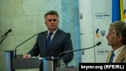 Sergey Kislitsa, Ukraina Tışqı işler nazirliginiñ temsilcisi