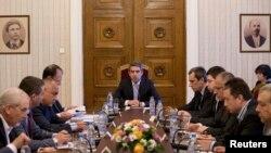 La reuniunea la nivel înalt din vară, în prezența președintelui Bulgariei, pe tema dificultăților financiare