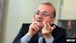 حمیدرضا فولادگر گفت: در صورت موافقت نمایندگان، از قوه قضائیه برای رسیدگی به تخلفات در واردات خودرو درخواست خواهد شد