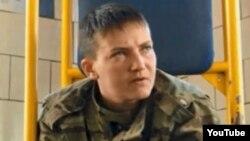 Украинская летчица Надежда Савченко, которая оказалась в плену и в СИЗО в городе Воронеже.