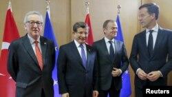 Jean-Claude Juncker, Ahmet Davutoglu, Donald Tusk Mark Rutte