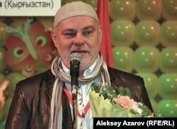 Председатель жюри фестиваля польский кукольник Марек Вашкель. Алматы, 25 октября 2011 года.