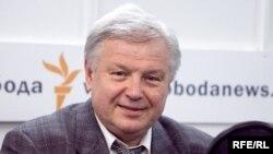 Виктор Петраков
