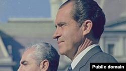دوران رياست جمهوری ريچارد نيکسون، اوج ماه عسل آمريکا و ايران بود، دورانی که واشينگتن هر چه تهران می خواست، جز بمب اتمی، بی چون و چرا در اختيارش می گذاشت