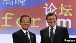 Голова Єврокомісії Жозе Бануел Баррозу і екс-прем'єр-міністр Китаю Вень Цзябао, архівне фото