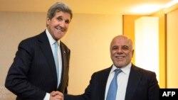 حیدرالعبادی، نخستوزیر عراق (راست) در دیدار با جان کری وزیر امور خارجه آمریکا