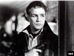 Marlon Brando erkən filmlərindən birində