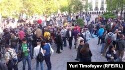Оппозиционные гулянья на Чистопрудном бульваре в Москве, 10 мая