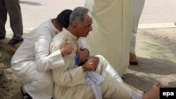 Besimtarët në xhami pas sulmit vetëvrasës në Kuvajt