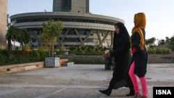 Iranian women in Islamic dress, Tehran, 11Jun2012