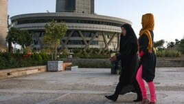 Iranian women in Islamic dress, Tehran, 11Jun2012